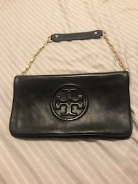 Authentic tory burch cluch with sholder chain  Vaughan, L6A