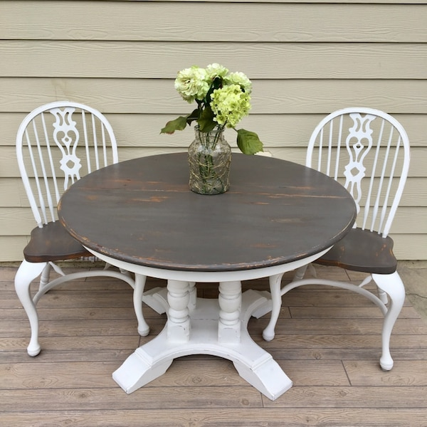 Used Farmhouse Style Dining Kitchen Table Oval White and ...