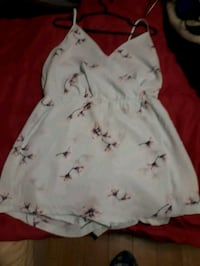 white and red floral sleeveless dress Belleville, K8N 2A4