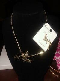 silver chain necklace with heart pendant Houston, 77039