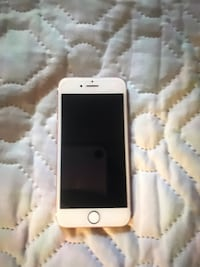 AT&T Rose Gold IPhone 7 , no cracks works perfectly fine just tired of the same phone want something new Suffolk, 23434