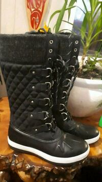 call it spring winter boots  Ladysmith, V9G