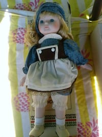 COLLECTOR'S PORCELAIN DOLL