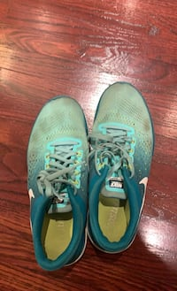 Nike Shoes Athletic Blue Mississauga, L5V 1X5