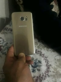 Gold Samsung Galaxy S7 Edge 9186 km