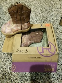 Size 3 Roper boots