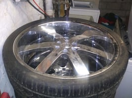 26 Inch Chrome wheels, LOCAL PICK UP ONLY.