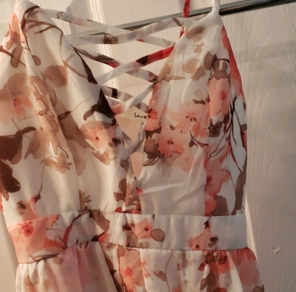Romper Floral pink and white with shorts built  c26683ce-31d8-4b3b-b67f-23143a4b7851