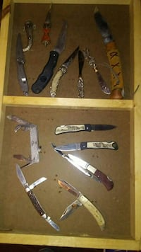 assorted colors of pocket knife lot