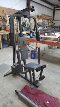 black and gray pec deck machine 1298 mi