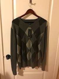 Tommy Hilfiger sweater size M with tag men Toronto, M9W 4M1