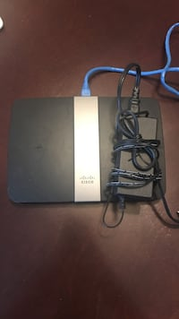 cisco router  Toronto, M4V 1S7
