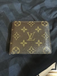 LV wallet  Kitchener, N2E 2N1