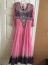 Women's pink and white long-sleeved Indian dress Kitchener, N2E