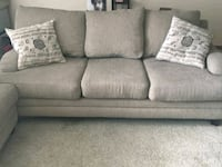 2 piece couch set Omaha, 68102