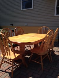 oval brown wooden dining table with chairs set West Peoria, 61604