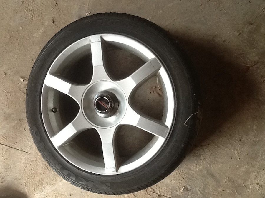 Used Chrome 6 Spokes Car Wheel With Tire In Stratford