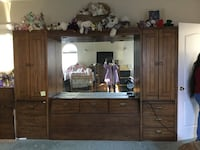 Queen Tower wall headboard. Huntley by Thomasville, with light bridge and mirrors. Turlock,  [PHONE NUMBER HIDDEN]  OBO Turlock, 95382