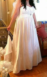 Wedding dress in perfect condition  Vaughan, L6A
