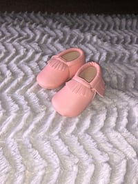 Baby girl 0-6 months moccasins Runs LARGE  251 mi