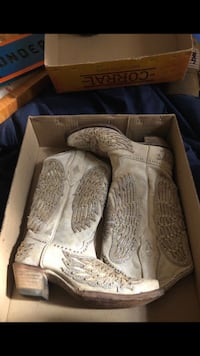 Corral boots barley worn in original box with price on box! Oklahoma City, 73139