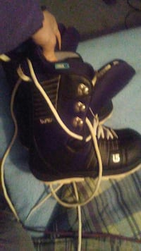 Both Womans sz 8 Mens sz 11 Snowboard Boots Crownsville, 21032