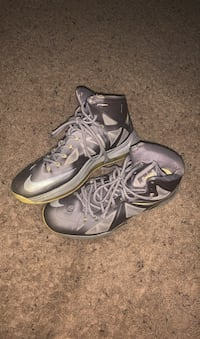 Lebrons 11.5 North Chesterfield, 23236
