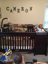 CRIB/dresser/nightstand converts to full size bed