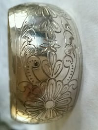 Silver big bracelet  bangle .is not stamped but is siver Oshawa, L1K 0B9