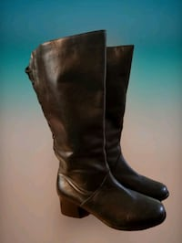 Plus Size Wide Calf Black Leather Boots Size 8 1/2 Wide  Inwood, 25428
