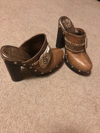 pair of brown leather boots Hagerstown, 21740