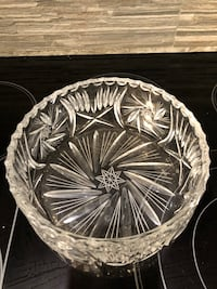 "Pinwheel Crystal Serving Bowl 8"" Toronto, M9C 4W1"