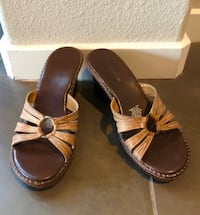 Hardly worn and in excellent condition Naturalizer sandals. Sz 8.5 Las Vegas, 89138