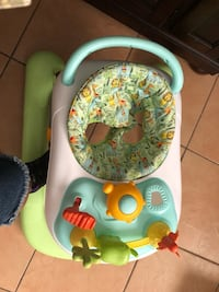 baby's white and green Fisher-Price walker Hawthorne, 90250