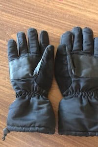 Winter gloves Oklahoma City, 73173