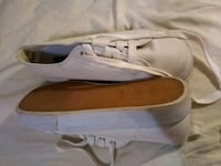 no boundaries white canvas platform tennis shoes size 8 1/2