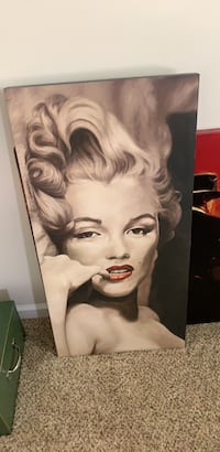 Marilyn Monroe portrait with black wooden frame Gainesville, 20155