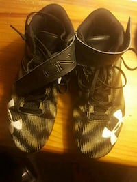 Football cleats Falling Waters, 25419