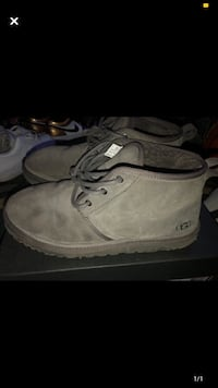Gray man uggs size 11 Manchester, 03103