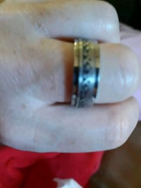 silver and gold ring with box St. Catharines, L2M 4G1