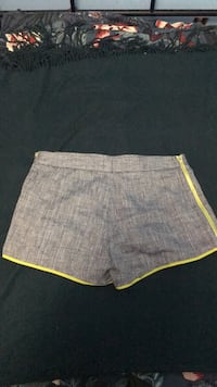 Very lightly used ( less than 10 times) Club Monaco shorts- Size 2 Mississauga, L5B