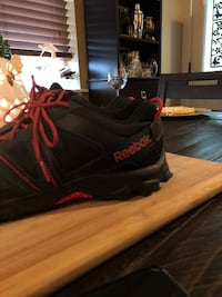 Almost new womans Reeboks(size10) Nanaimo, V9R 2Y7