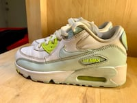 Nike Air Max Size 2Y Pre-Owned  Vancouver, V5M