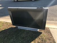 """Sony 55"""" TV works great with awesome sound.  Free Curb Alert"""