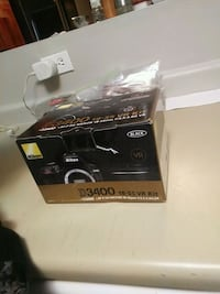 Nikon D3400 18-55 VR Kit in box like new Vancouver, V6A 2X2