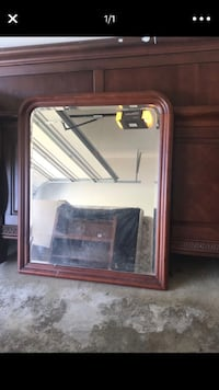 Brown wooden framed wall mirror North Ridgeville, 44039