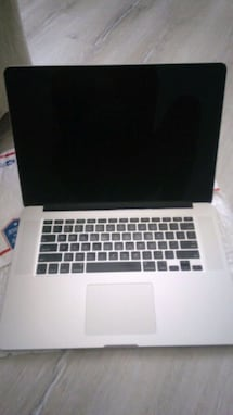 Apple MacBook Pro 15' retina