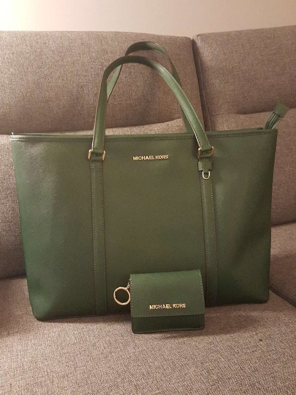 Brand new Michael kors XL tote