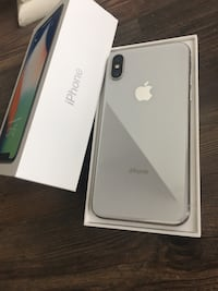 silver iPhone 7 in box Mississauga, L5B