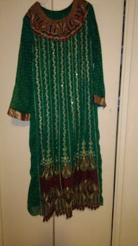 green and brown floral long-sleeved dress Toronto, M4H